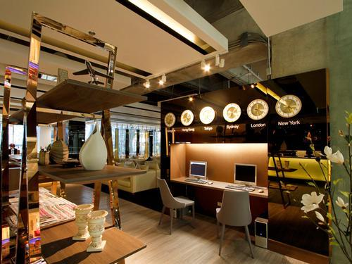 Louis' Tavern CIP First Class (Conc G) Lounge, Bangkok Suvarnabhumi