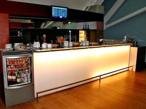 Plesman Lounge, Bar Area 2 - Curacao International Airport