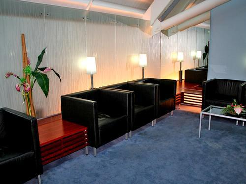 Plesman Lounge, Seating - Curacao International Airport