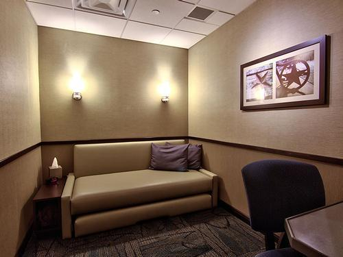 Minute Suites, Dallas TX - DFW International