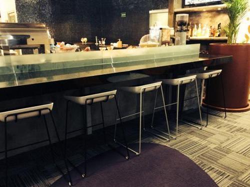 VIP Lounge (West)