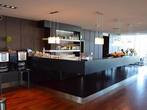 Executive Lounge, Gdansk Lech Walesa
