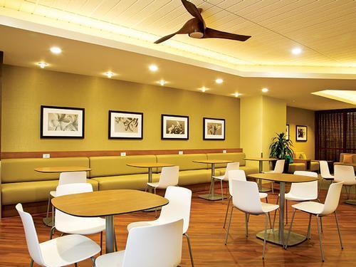 Plumeria Lounge, Honolulu International