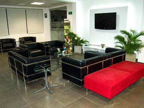Caral VIP Lounge, Iquitos International