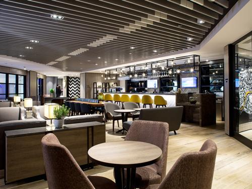 Plaza Premium Lounge (Arrivals), London Heathrow