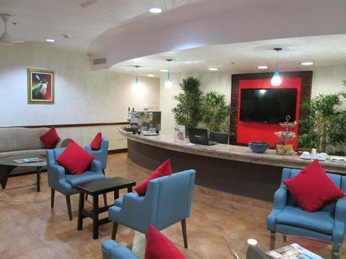 Club Mobay Arrivals Lounge