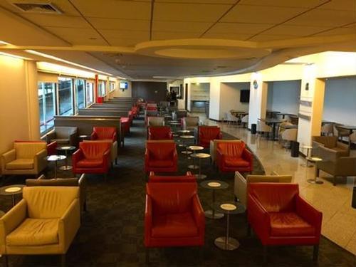 Voyage Lounge, Santiago International