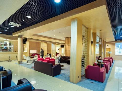 Primorye Lounge, Vladivostok International