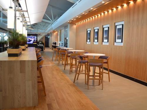 Aspire Lounge Transborder Departures, Calgary International