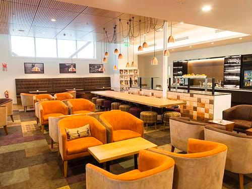 Manaia Lounge, Queenstown International