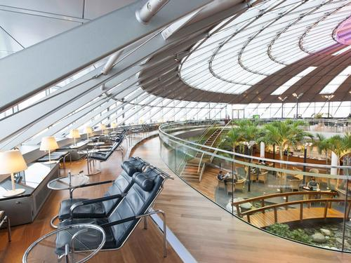 BSL-EuroAirport-Skyview-Lounge