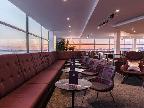 The Club Room Lounge Gatwick North